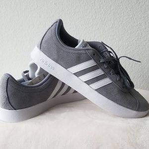 NWT Adidas court 2.0 size 6.5 Y gray sneakers